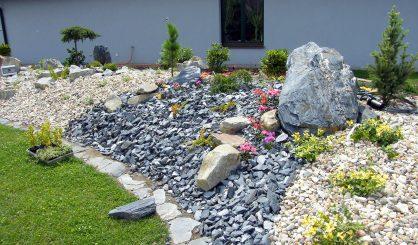garden-stone-368478b3aee27e92999fc30737aa1bcc